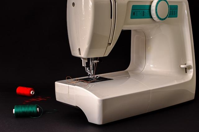 How To Clean A Sewing Machine In 40 Steps Sewing From Home Gorgeous How To Clean Sewing Machine