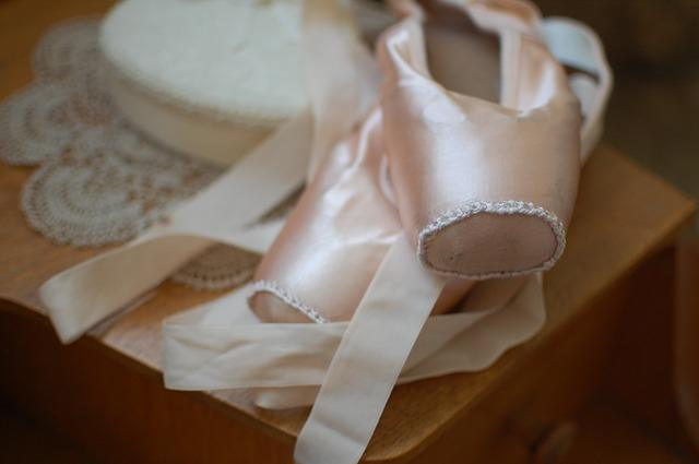how to sew pointe shoe ribbons